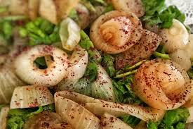 Közlenmiş Soğan Salatası,, Közlenmiş Soğan Salatası Tarifi